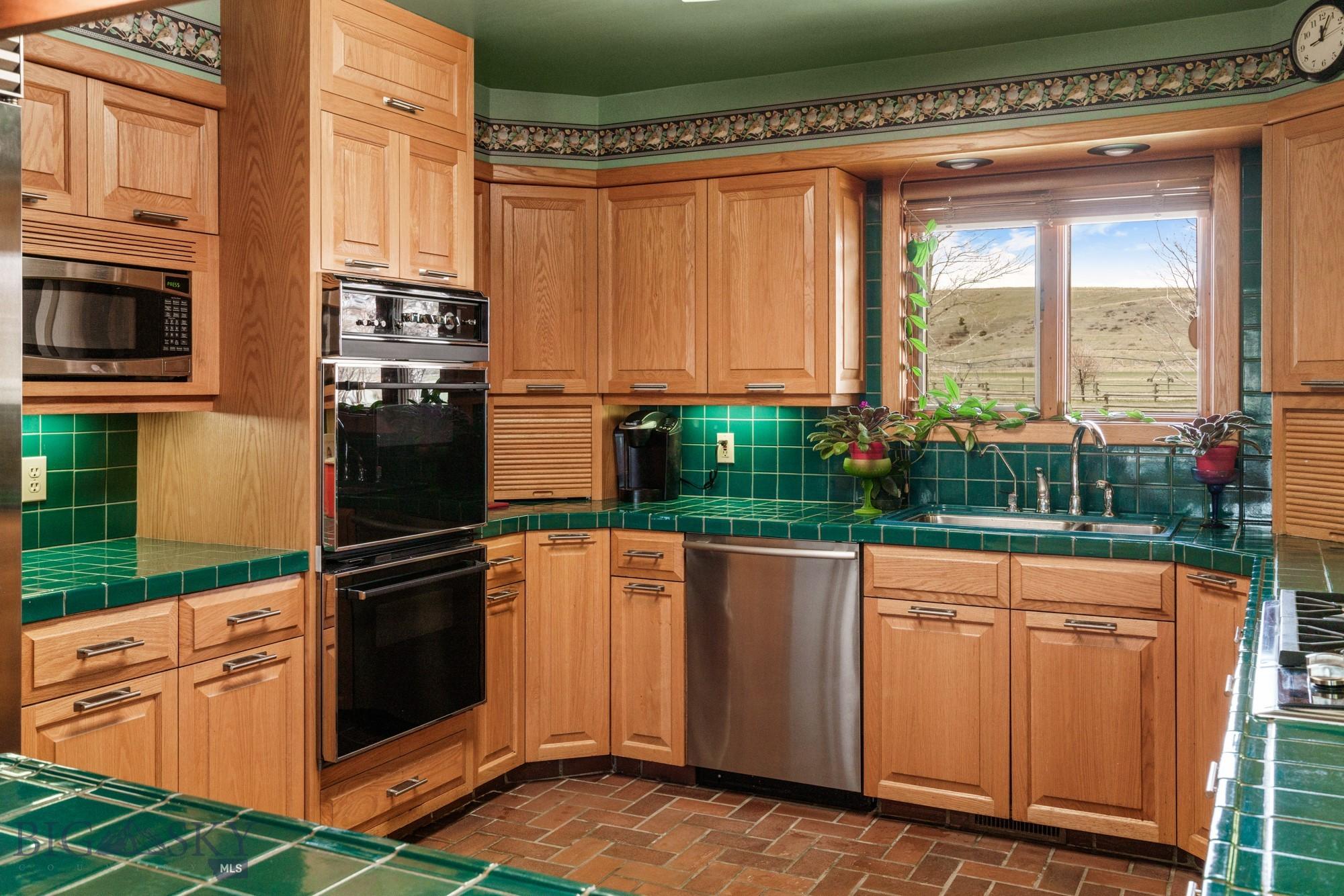 2900 Gateway South Road Property Photo 47