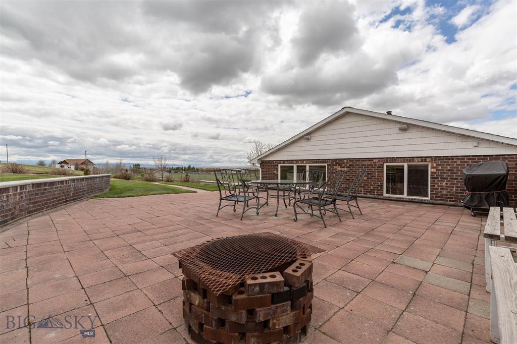 181 Pheasant Lane Property Photo 1