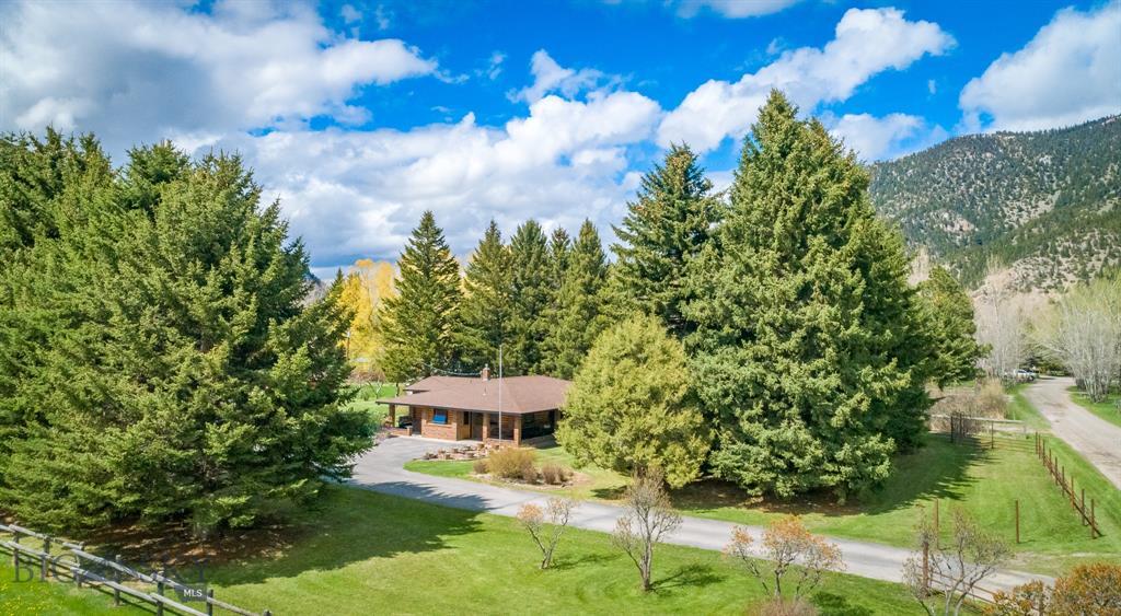 9 Evergreen Lane Property Photo 1