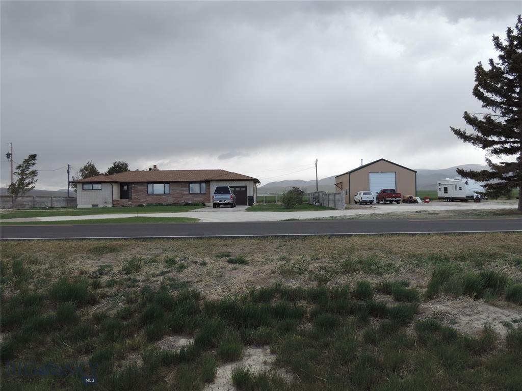 6825 Mt Highway 91n N Property Photo 1