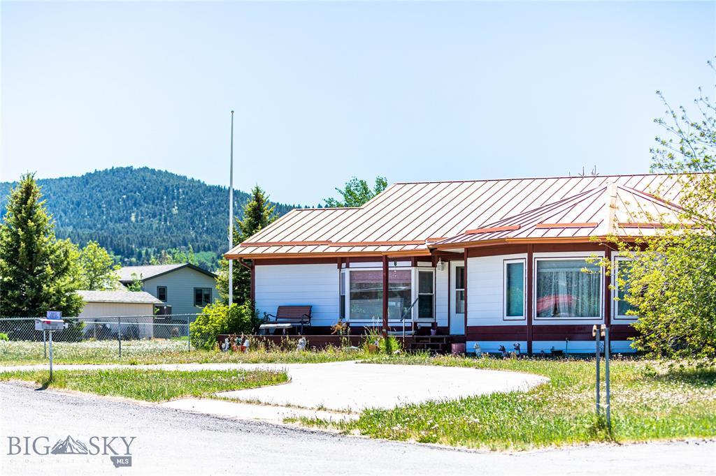 301 Fox Drive Property Photo 1
