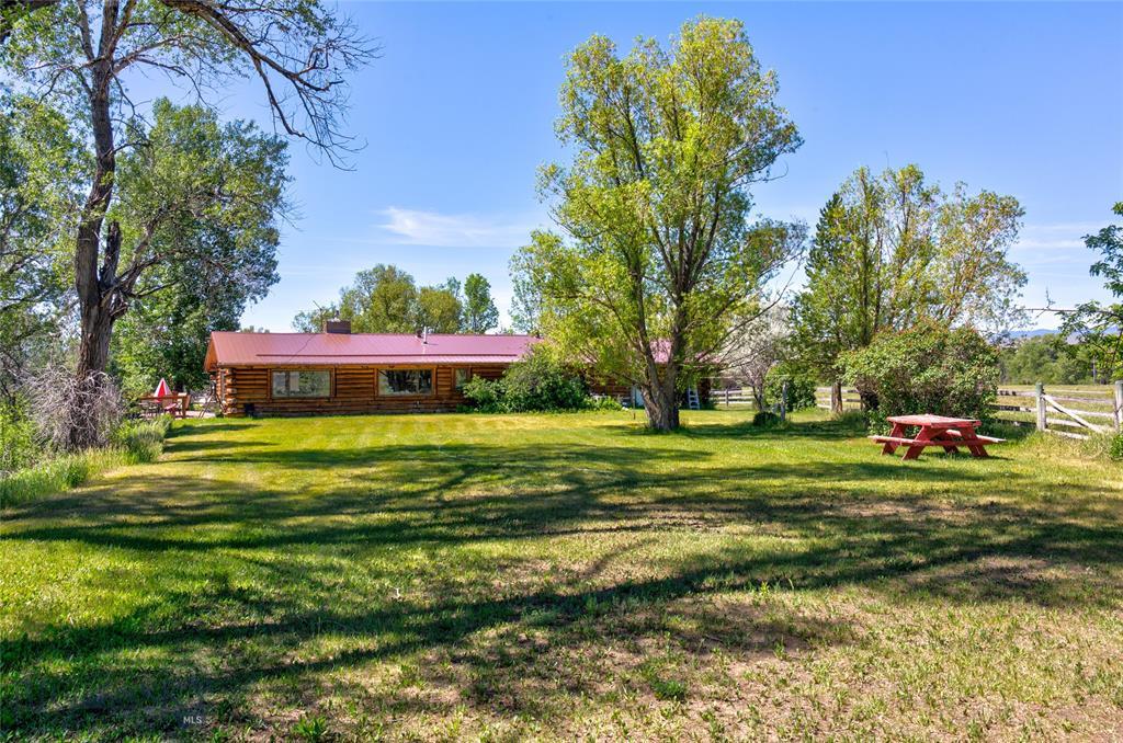 52 & 50 Shields River Road E Property Photo 1