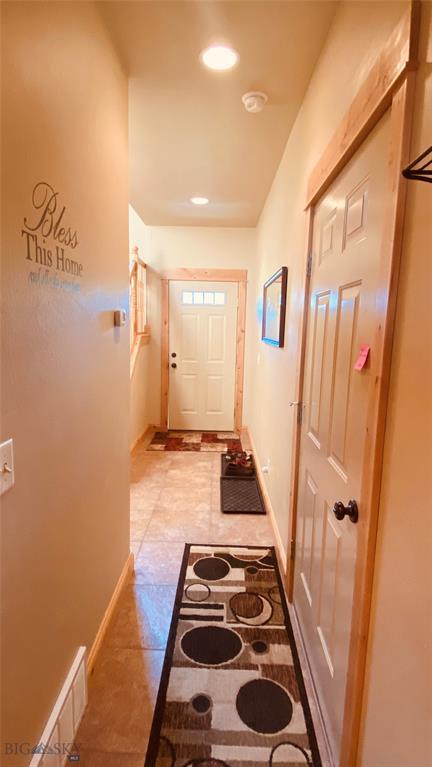 1015 Longbow Lane B Property Photo 5