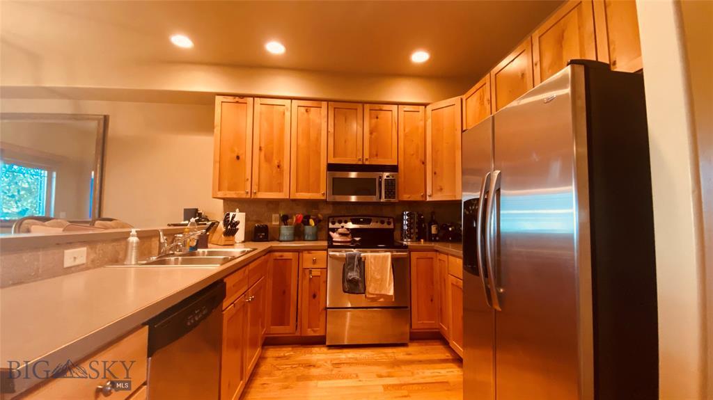 1015 Longbow Lane B Property Photo 6
