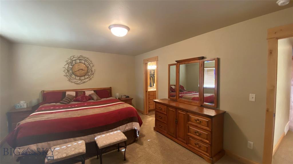 1015 Longbow Lane B Property Photo 16