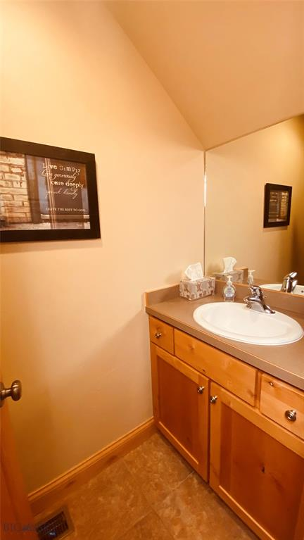 1015 Longbow Lane B Property Photo 29