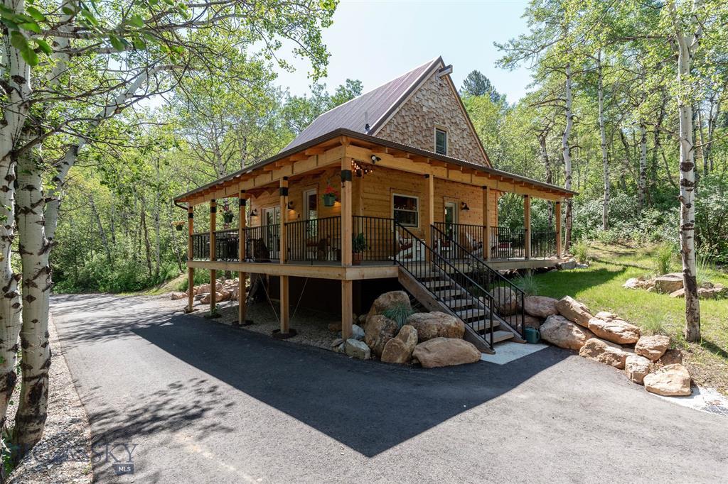 5 Bear Claw Property Photo 1