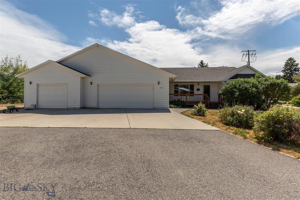 412 Sunny Drive Property Photo 1