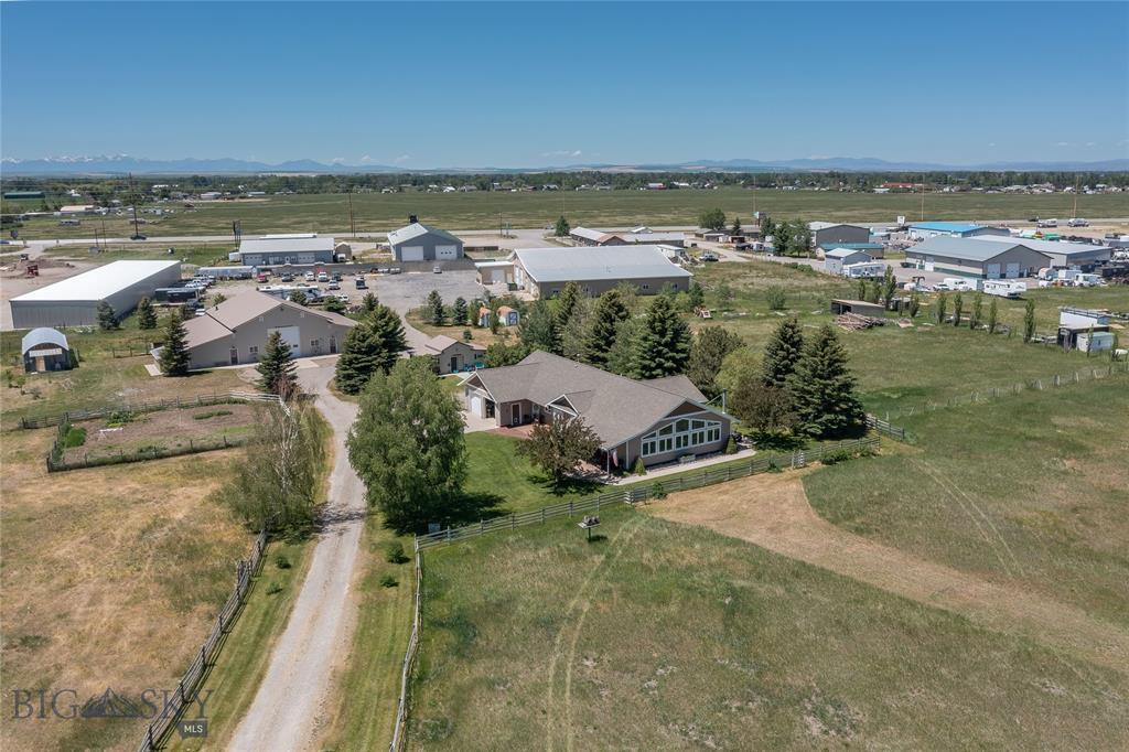 722 Bluegrass Property Photo 1