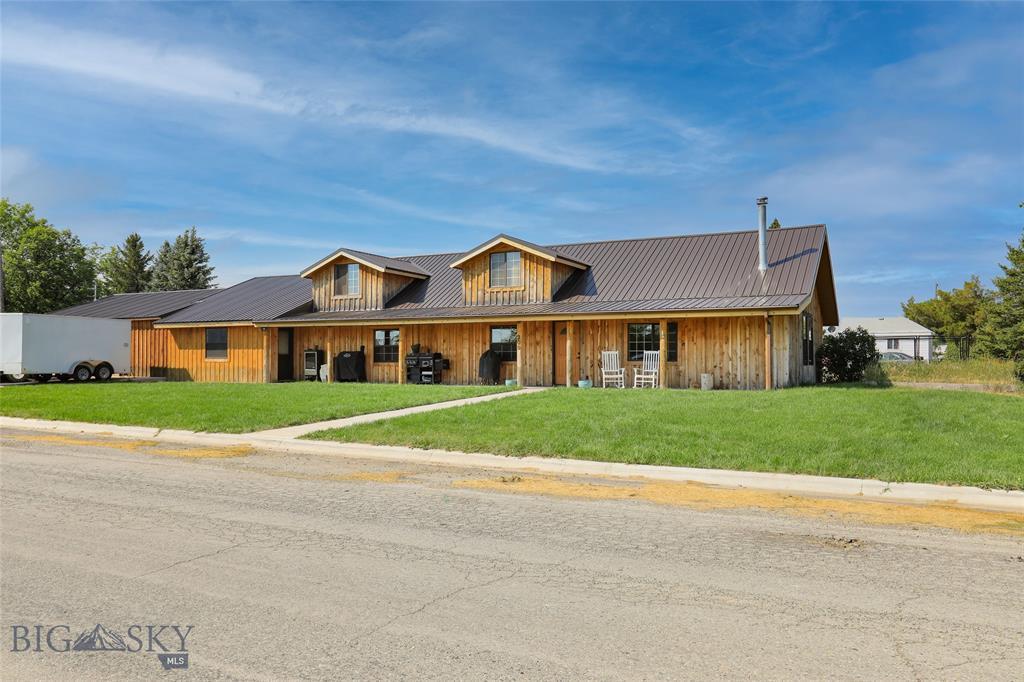200 Boulder Property Photo 1