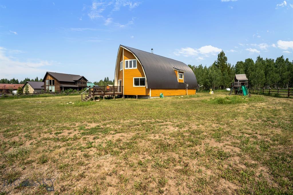 159 Mule Deer Road Property Photo 9