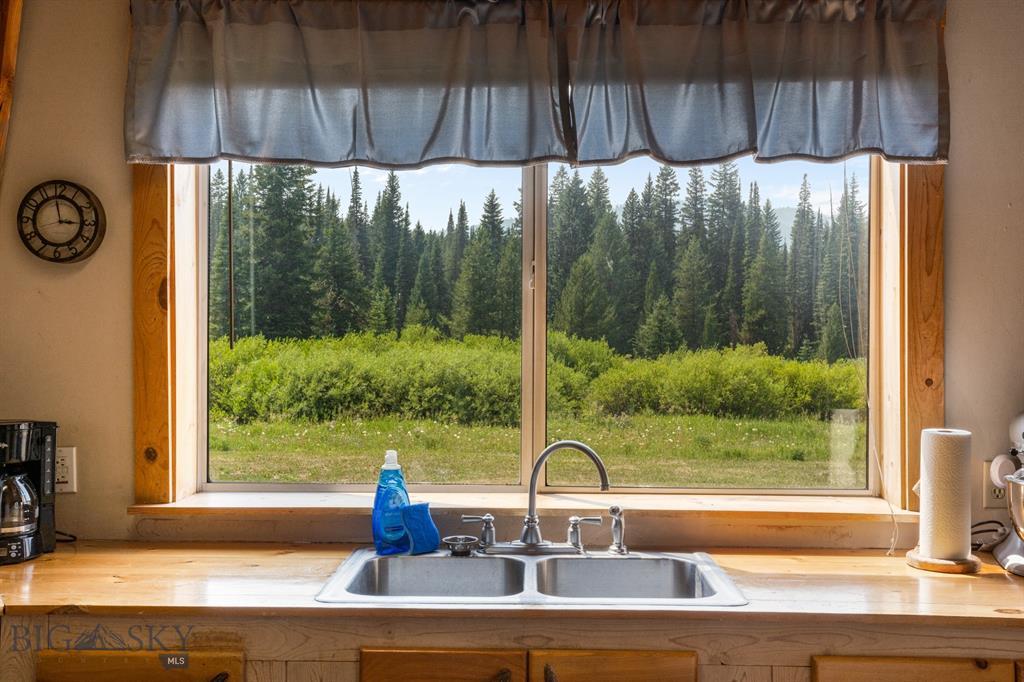 159 Mule Deer Road Property Photo 15