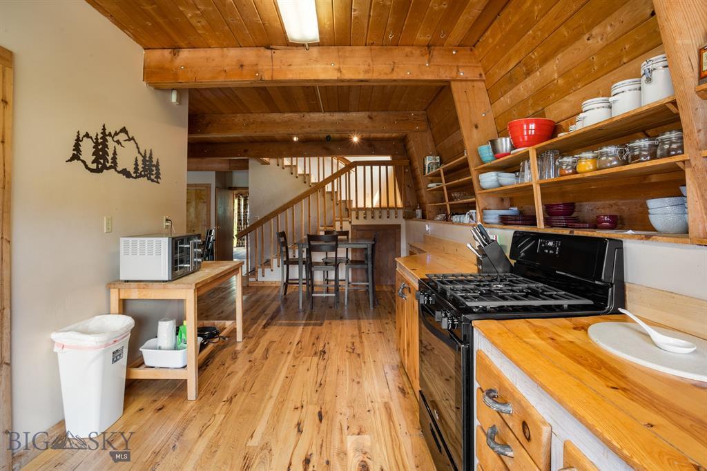 159 Mule Deer Road Property Photo 17