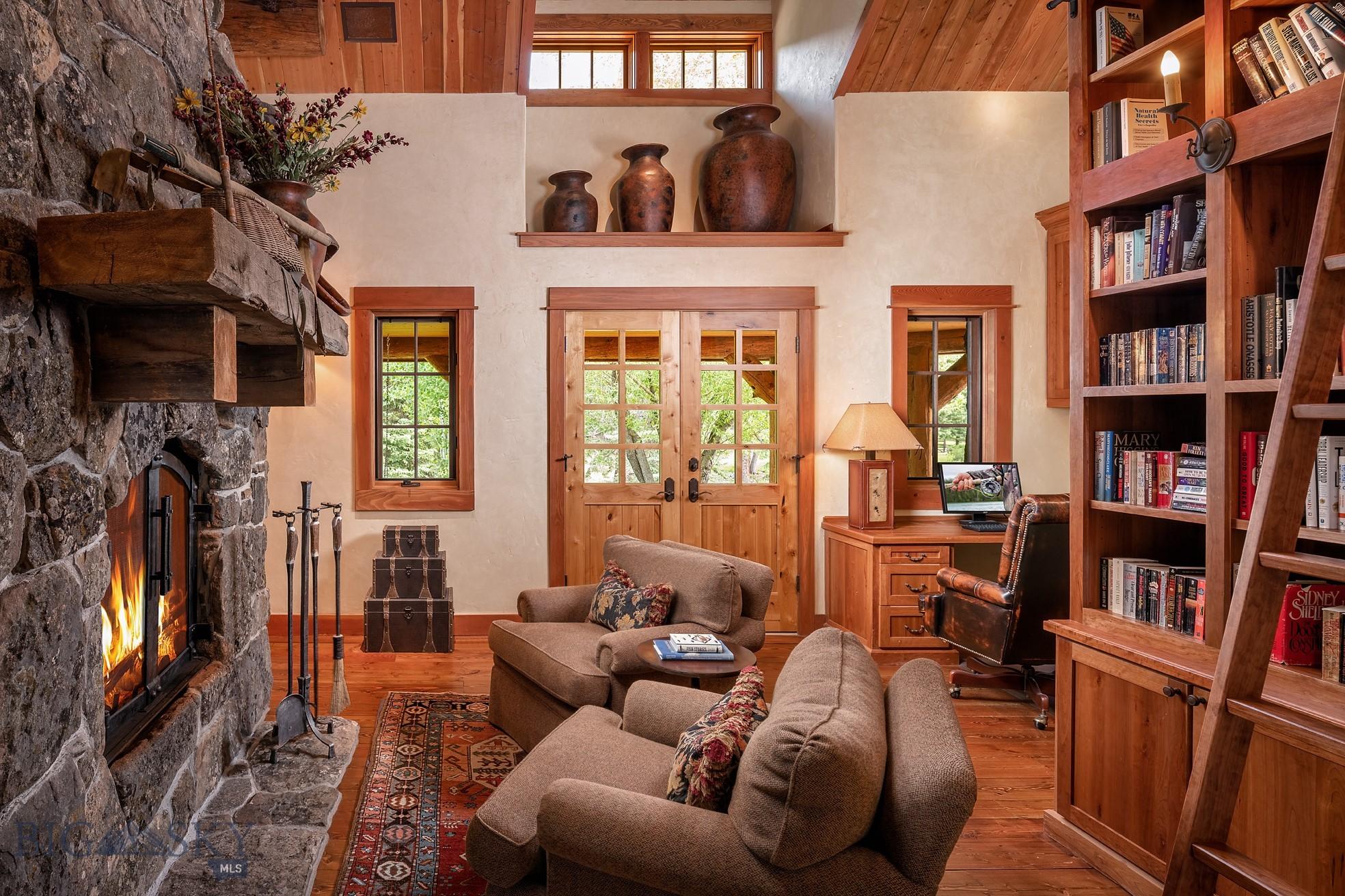 528 Karst Stage Loop Property Photo 11