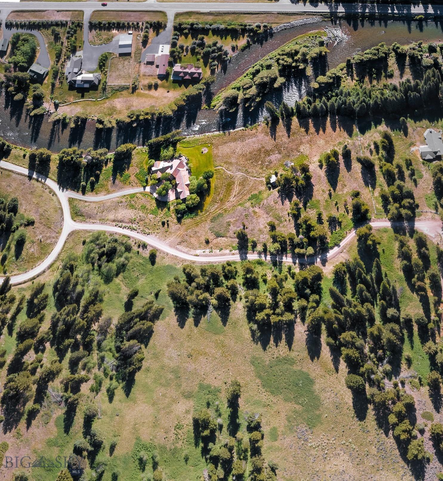 528 Karst Stage Loop Property Photo 27