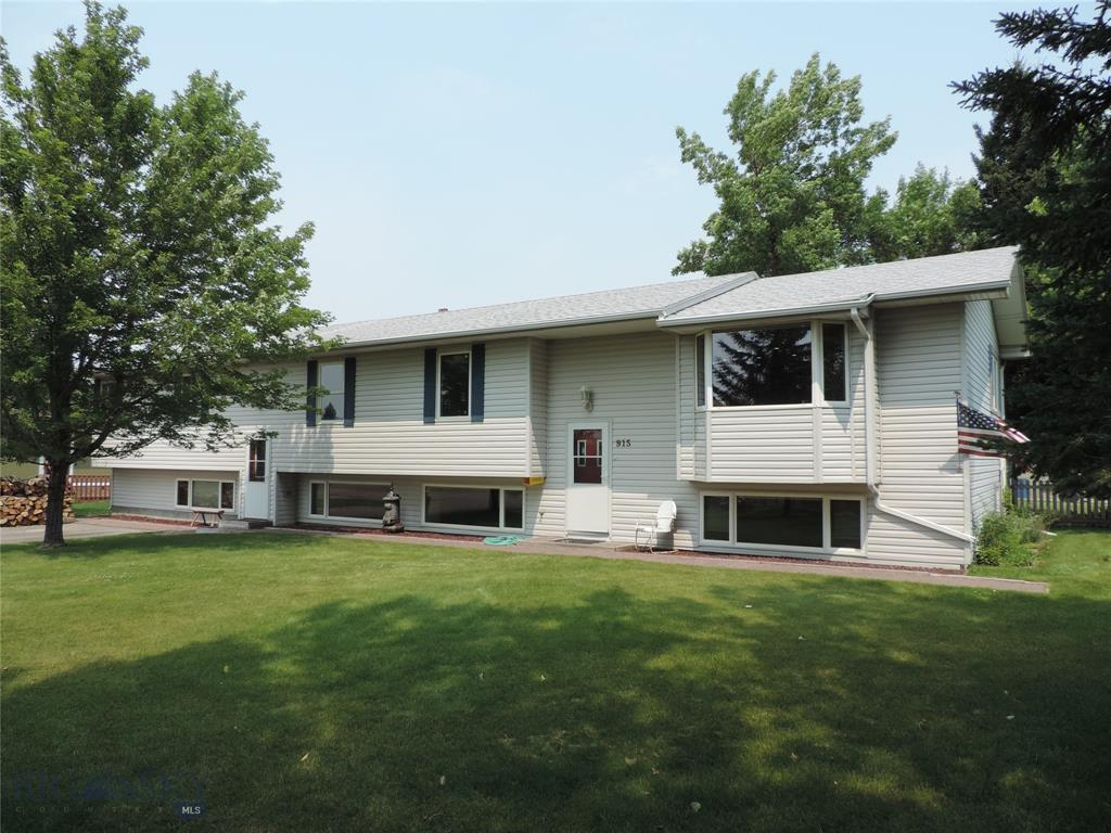 915 Hart Property Photo 1