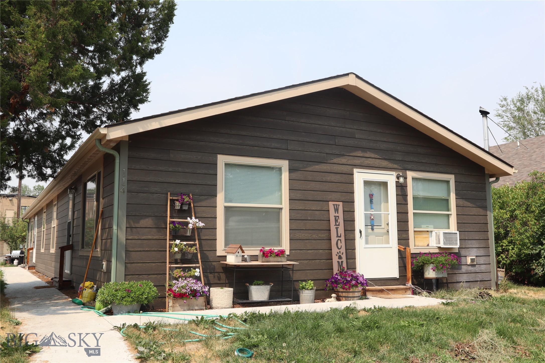 114 1st E Property Photo 1
