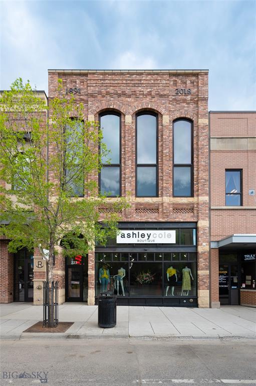 223 E Main Street Property Photo 1