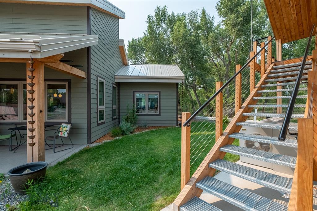 218 Little Creek Bend Property Photo 1