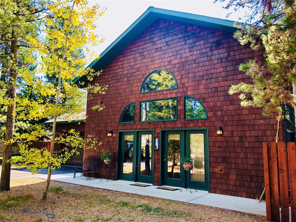 524 Grayling Avenue Property Photo 1