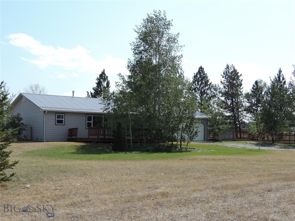 4 Meadowlark Property Photo 1
