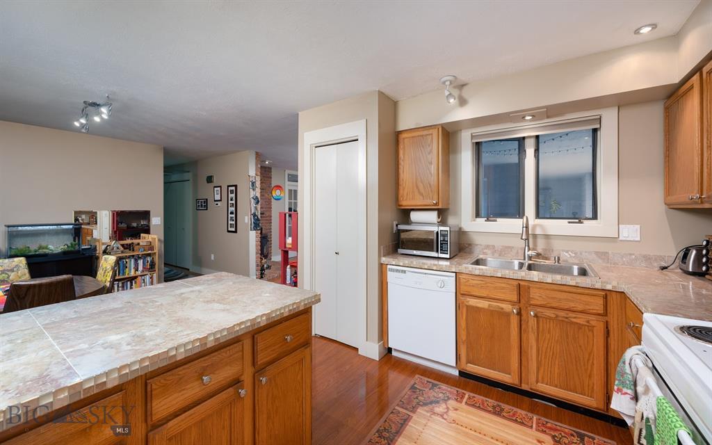 1703 W Olive Street 19 Property Photo 1