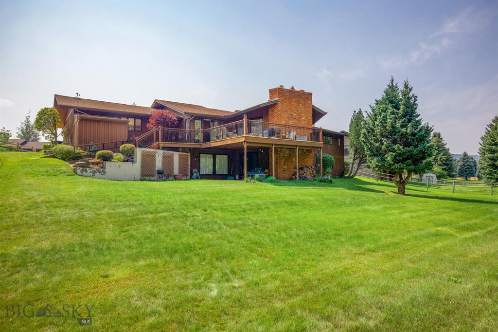 7 Cedar Lake Property Photo 1