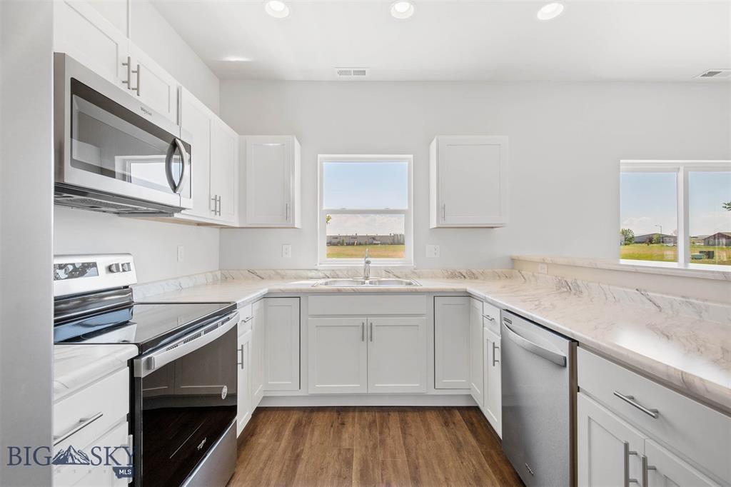 205 Manhattan South Road C Property Photo 1