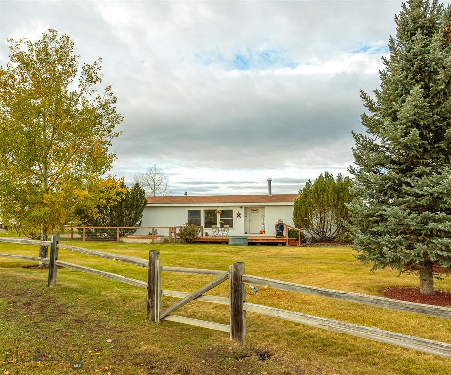 2260 Spooner Road Property Photo 1