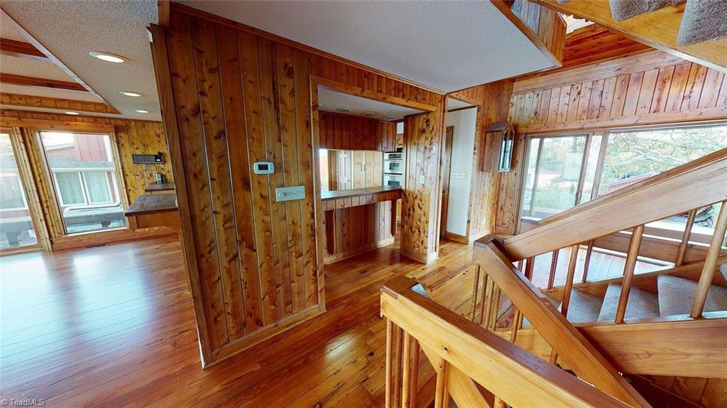 417 S Elm Street Property Photo 11