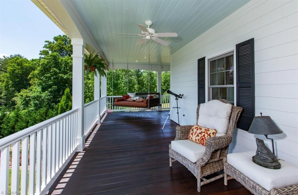 1602 Riverside Drive Property Photo 5