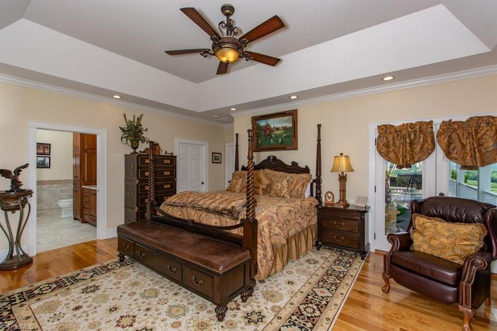 1602 Riverside Drive Property Photo 12
