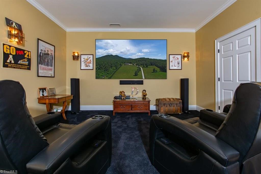 1602 Riverside Drive Property Photo 24