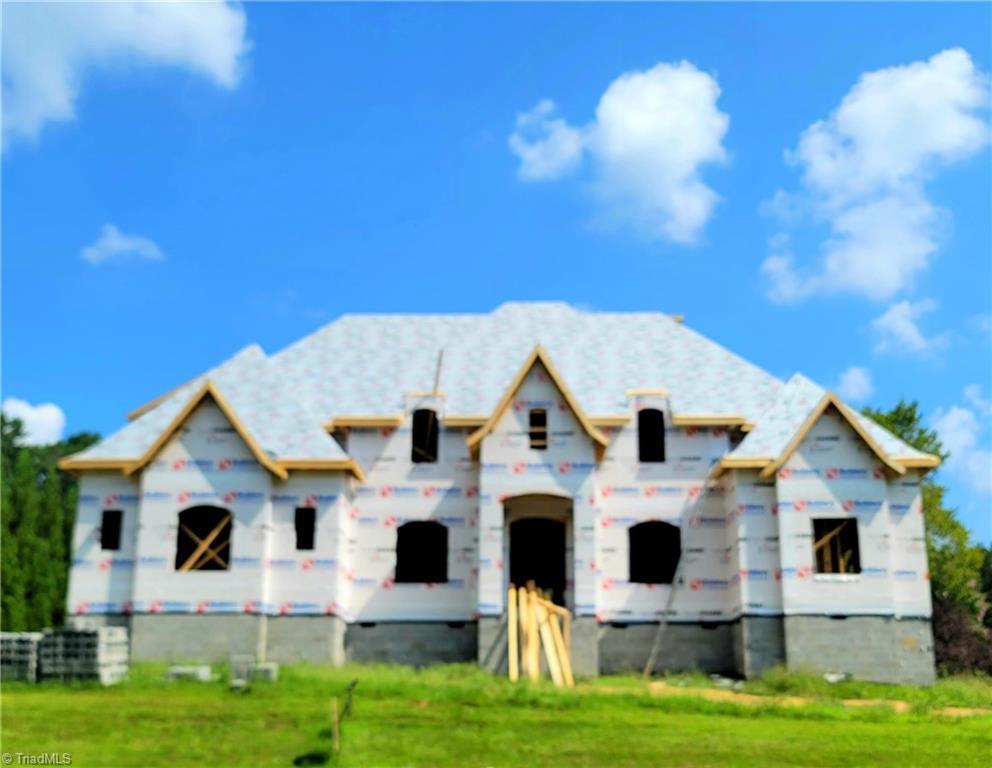 6174 Castlebrook Drive Property Photo 1