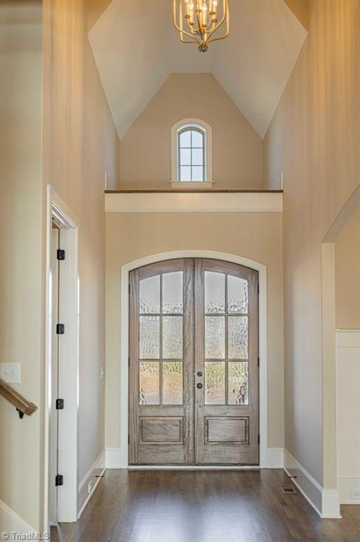 6174 Castlebrook Drive Property Photo 6
