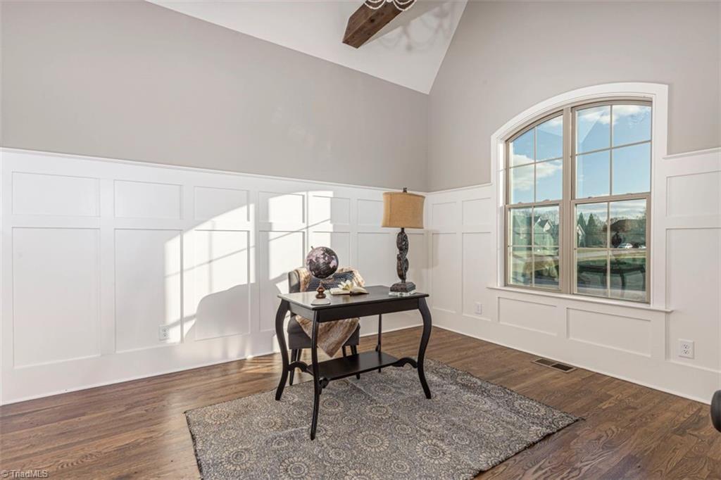 6174 Castlebrook Drive Property Photo 10