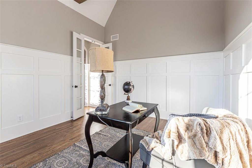 6174 Castlebrook Drive Property Photo 12