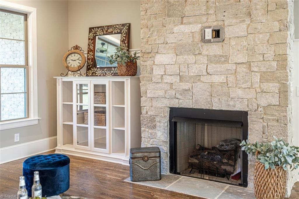 6174 Castlebrook Drive Property Photo 17