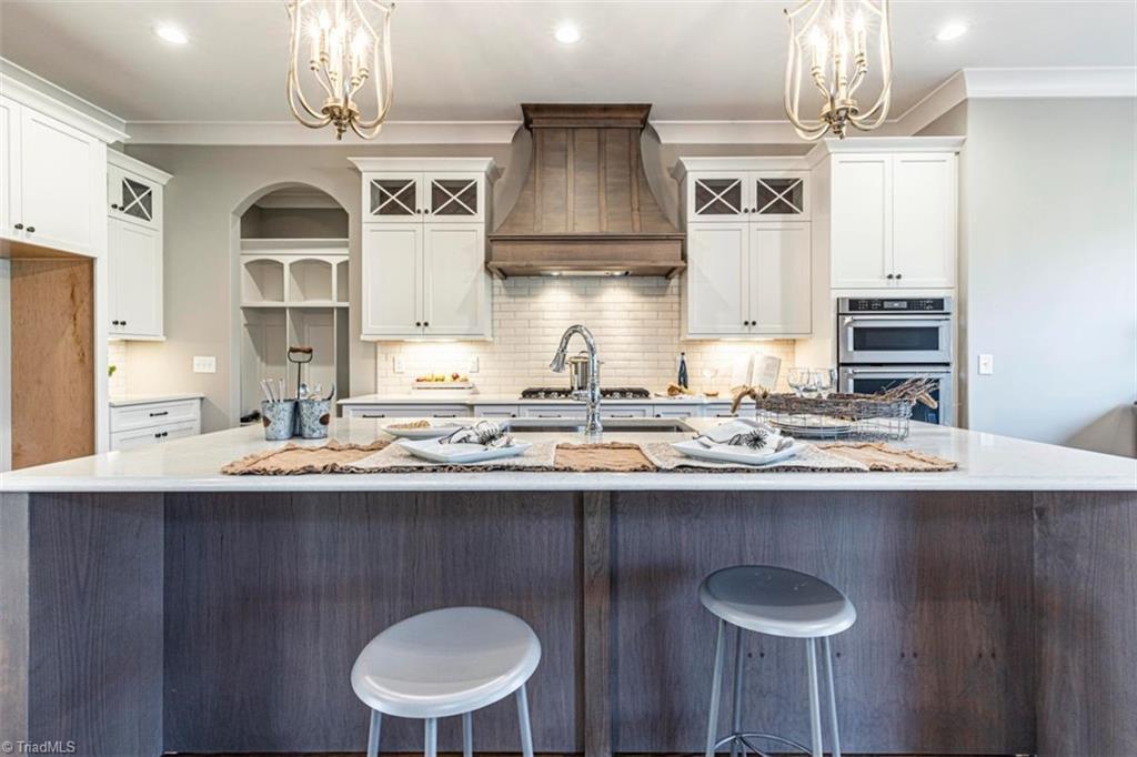 6174 Castlebrook Drive Property Photo 21