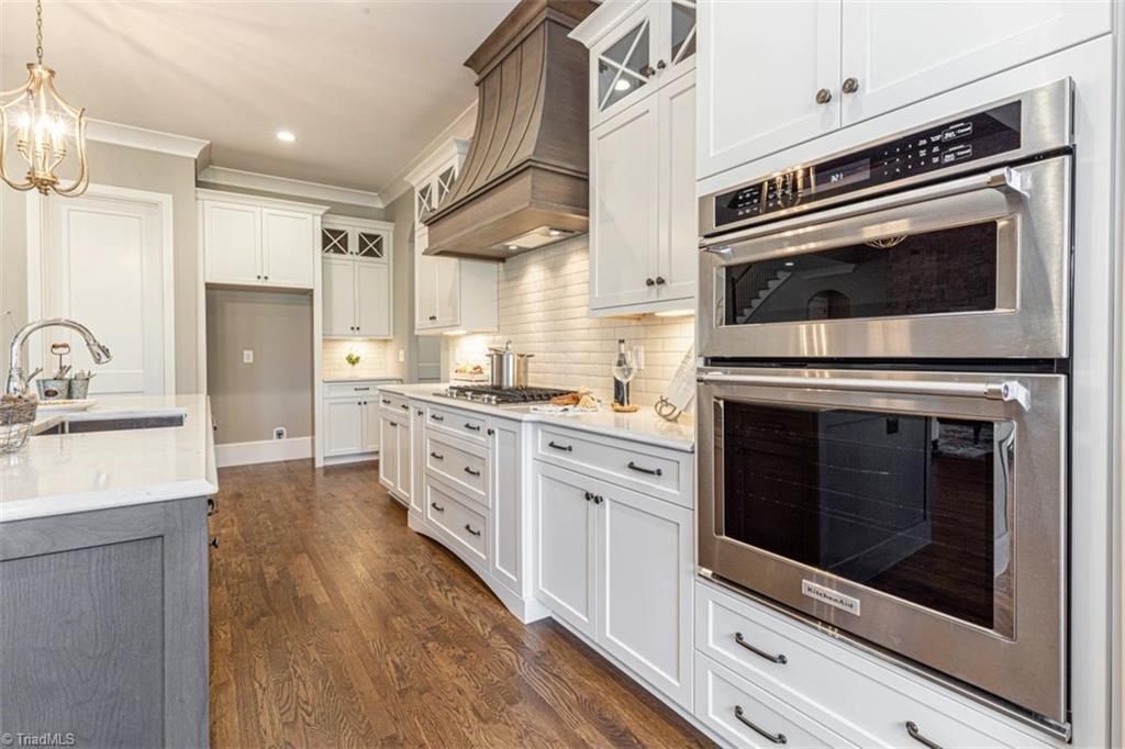 6174 Castlebrook Drive Property Photo 23