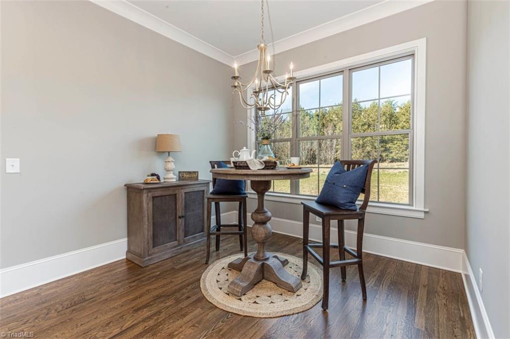 6174 Castlebrook Drive Property Photo 26