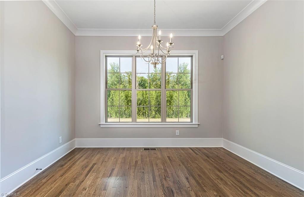 6174 Castlebrook Drive Property Photo 27
