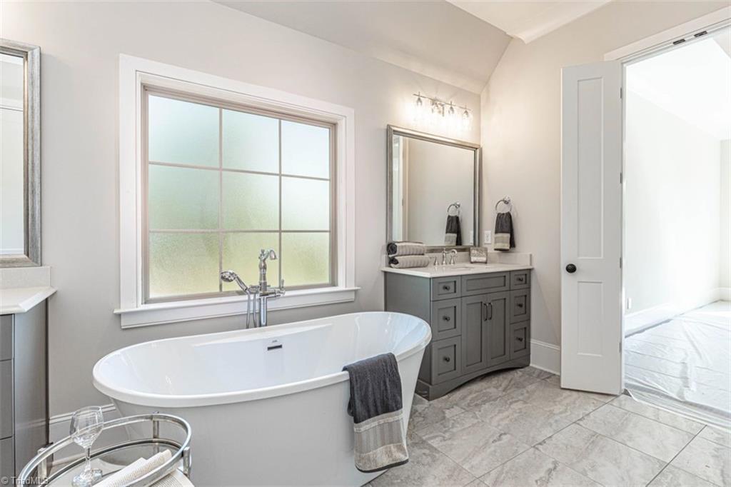 6174 Castlebrook Drive Property Photo 30