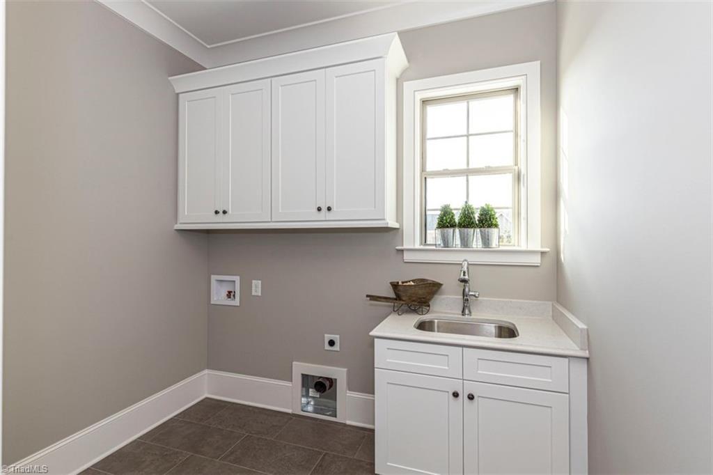 6174 Castlebrook Drive Property Photo 43