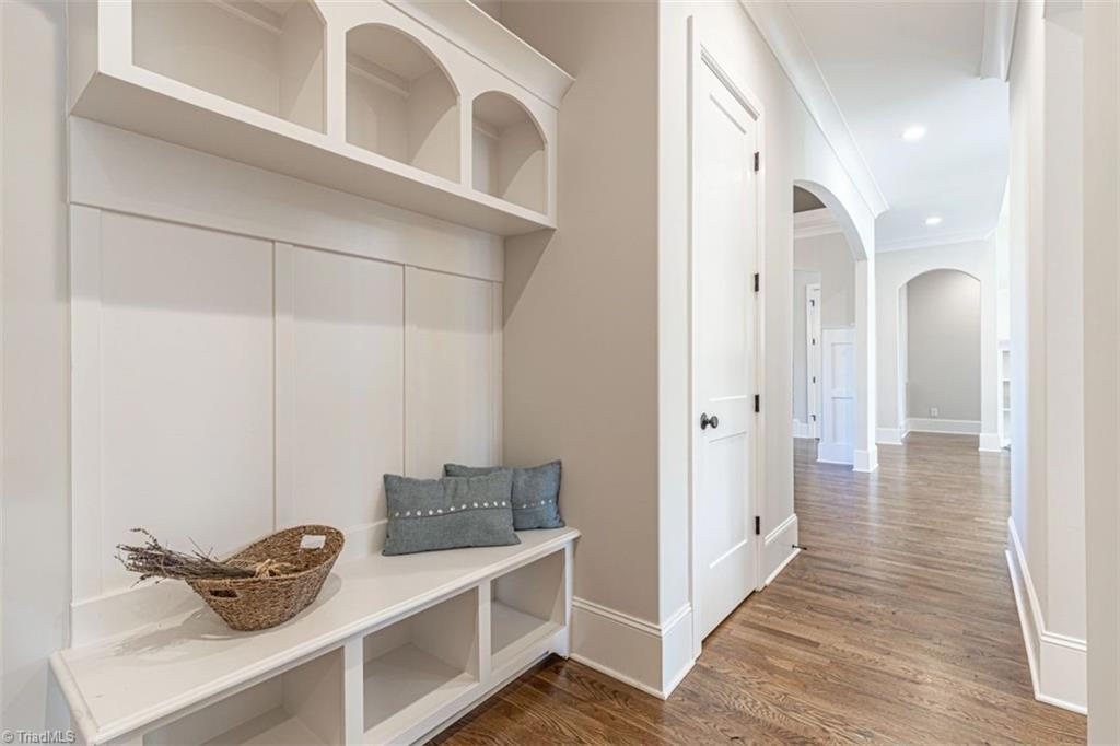 6174 Castlebrook Drive Property Photo 44