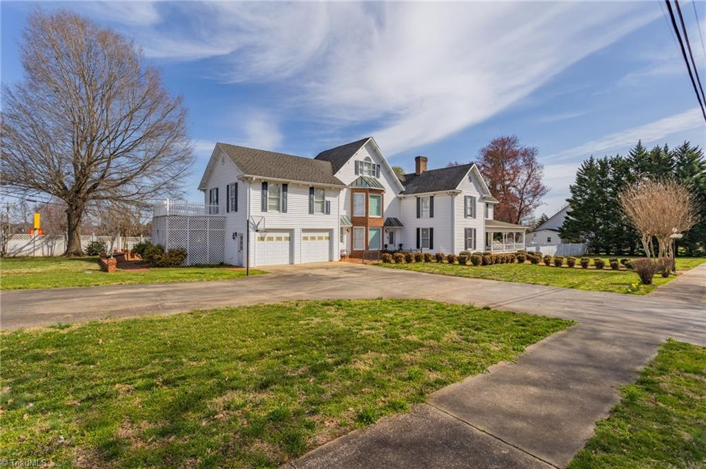 301 Virginia Drive Property Photo 1