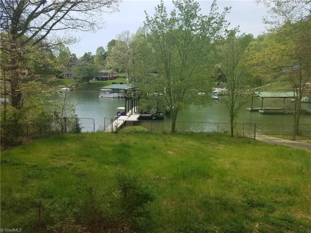 3890 Lake Shore Road S Property Photo 1