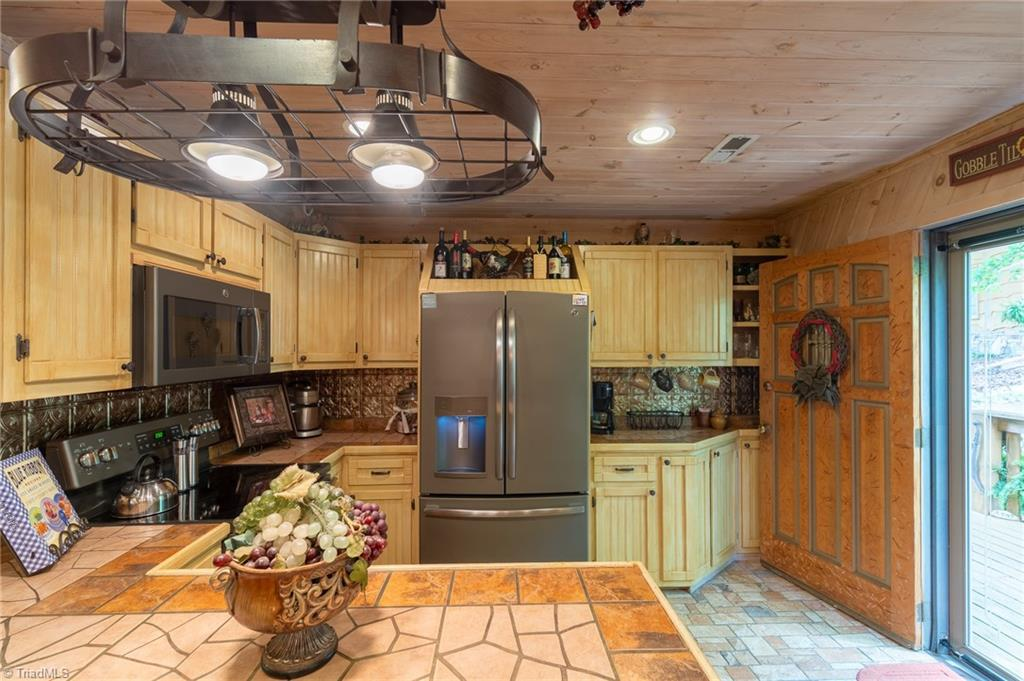 4446 Caraway Mountain Road Property Photo