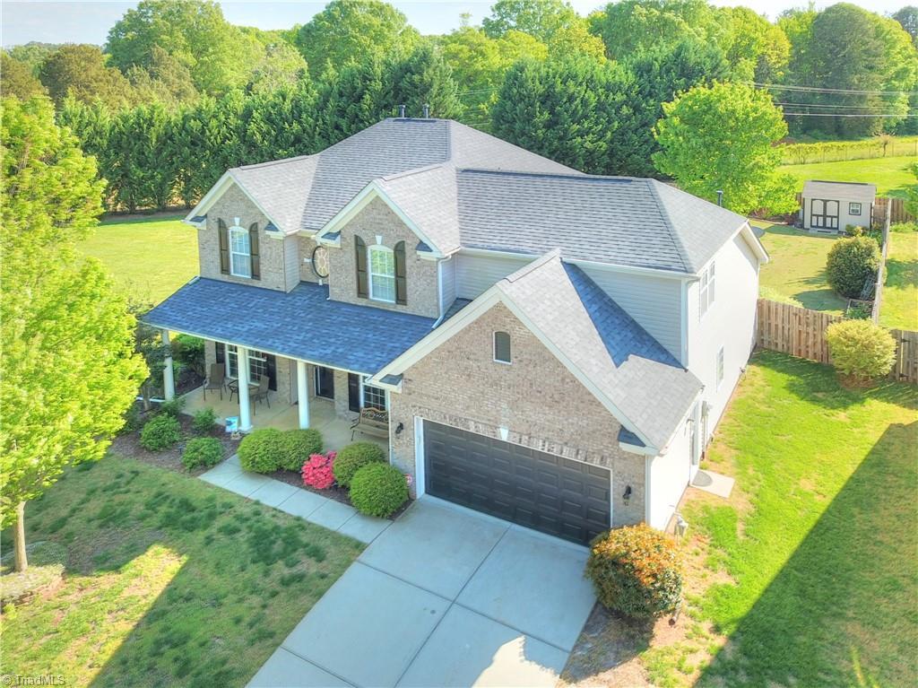 28031 Real Estate Listings Main Image