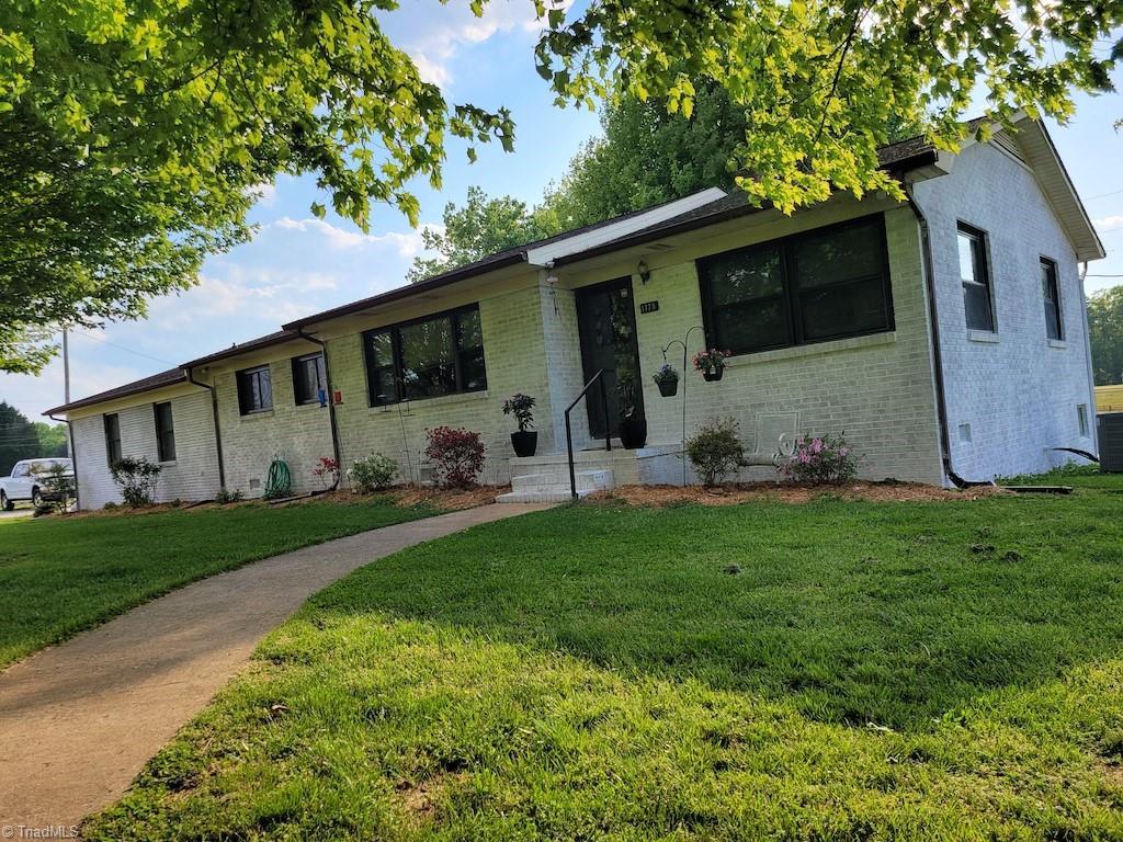 28092 Real Estate Listings Main Image